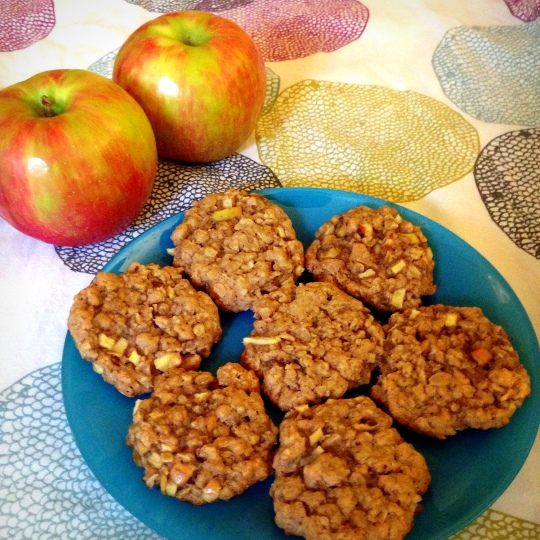 apple & ginger oatmeal cookies