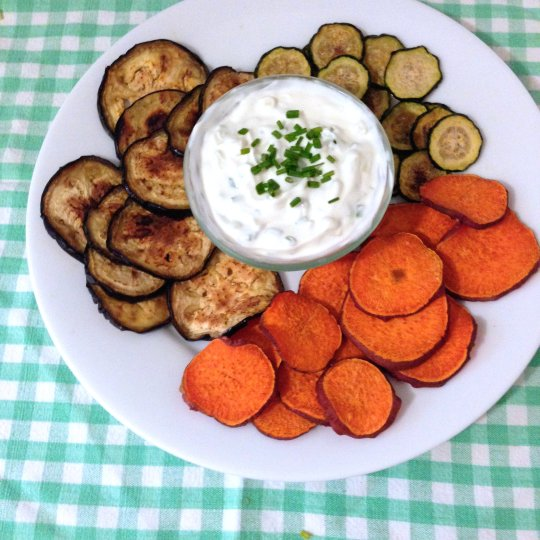 Baked Veggie Chips - www.cloudthyme.com