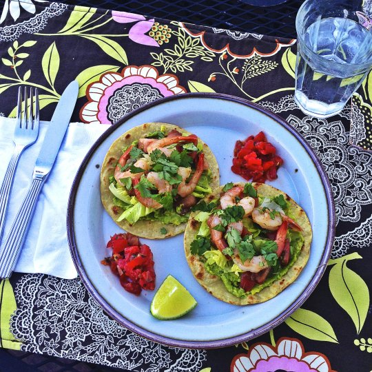 Avocado, Heirloom Tomato, and Prawn Tostadas - www.cloudthyme.com