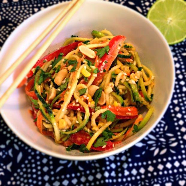 Thai Peanut Zoodle Salad - www.cloudthyme.com